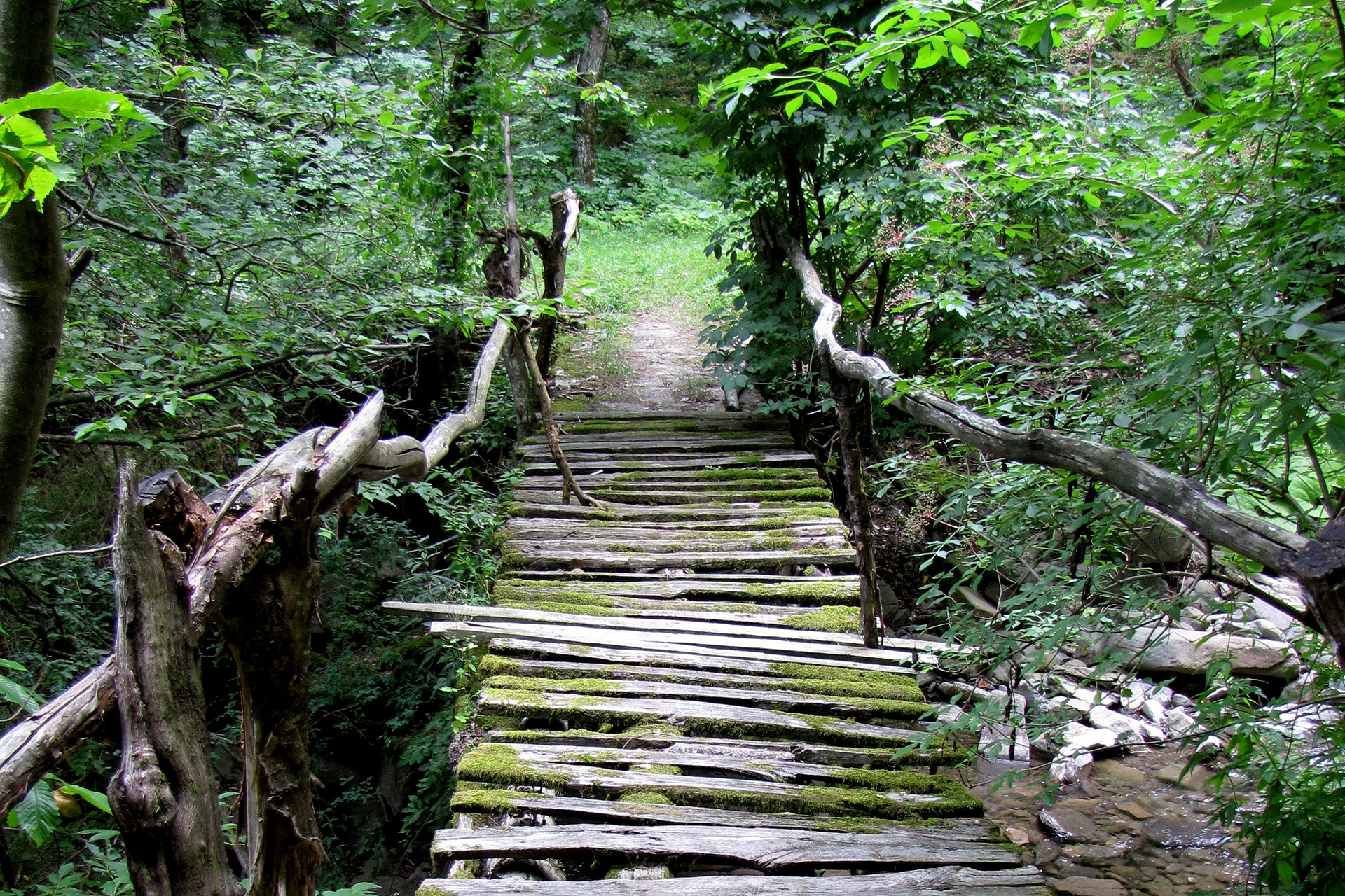 parco corno alle scale sentiero